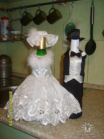 Декор свадебных бутылок с шампанским