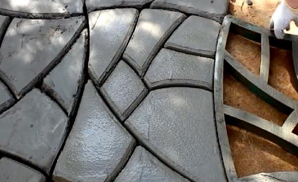 Дорожка из готовой формы