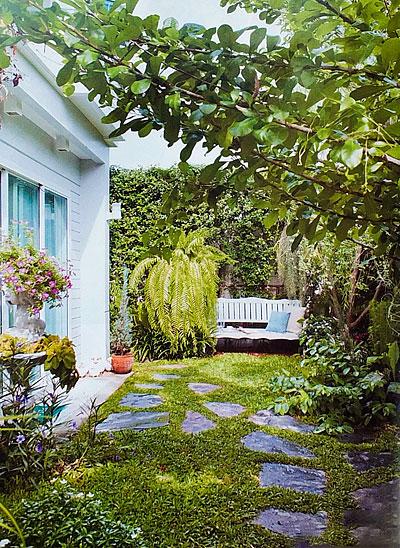 Ландшафтный дизайн двора 1