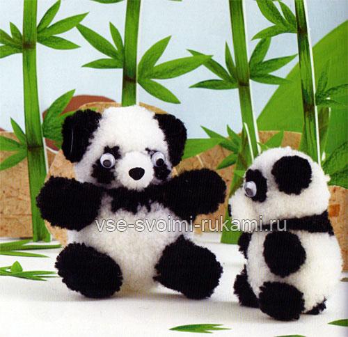 Игрушка панда из помпонов